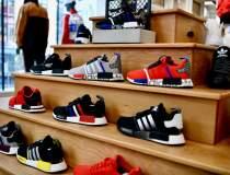 Adidas, pierderi de aproape...