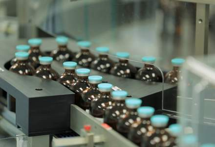 COVID-19 | AstraZeneca a început testarea unui tratament bazat pe anticorpi