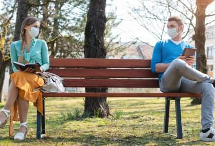 Coronavirus | Regula de 1 sau 2 metri distanţă între persoane este prea rigidă şi ar trebui adaptată situaţiei (studiu)