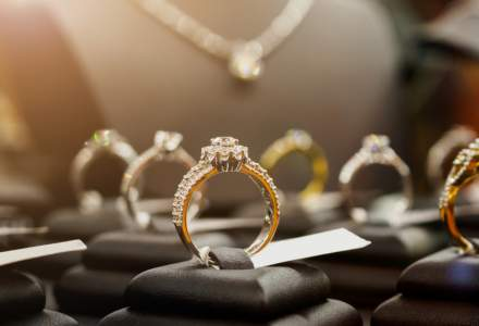 Vreți să investiți în bijuterii sau agricultură? În curând, pe bursa românească