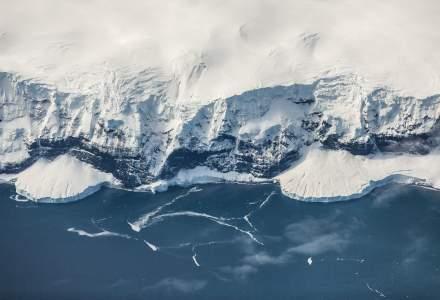 """Zbor deasupra Polului Sud, o experiență """"absolut uluitoare"""". Cât costă o vacanță exotică peste Antarctica"""