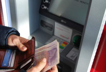 Două bancomate au fost sparte la parterul unui bloc din orașul Otopeni