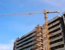 Constructii: mii de...