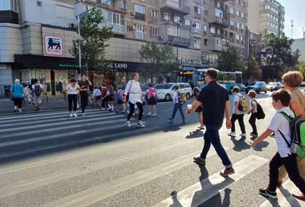 [FOTO] Prima zi de școală în București după 6 luni de pauză