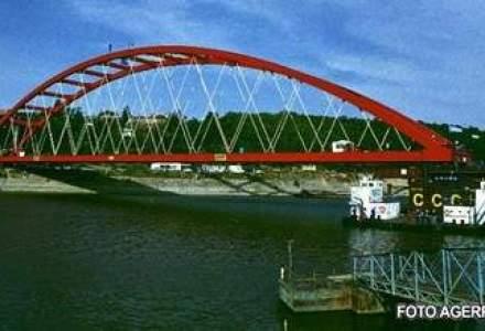 Doua poduri peste Dunare ar putea fi construite din bani europeni, dar Guvernul a uitat de aceste proiecte