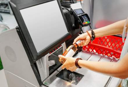 Cumpărăturile viitorului: Sunt casele-self scan o soluție pentru coada din magazine?