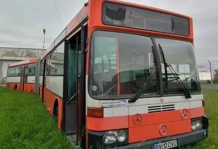 FOTO | Un autobuz scos din circulație s-a transformat într-un spațiu educațional pentru copii