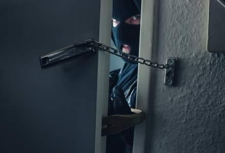 Câte locuinţe din România sunt jefuite de hoţi în fiecare zi. Dar, cuprinse de flăcări?