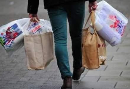 UniCredit, Vel Pitar si Regina Maria, acuzate ca manipuleaza consumatorii prin mesaje publicitare