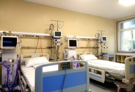 Focar de COVID-19 la Spitalul Județean din Bistrița și alte cinci noi cazuri de îmbolnăviri în rândul elevilor din județ