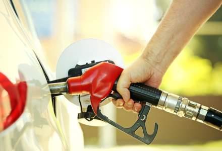 Benzina și motorina s-a ieftinit cu 6-7 bani pe litru în luna august