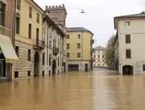 Italia și Franța, încremenite...