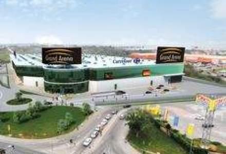 Mai putin de jumatate din magazinele mall-ului Grand Arena vor fi deschise maine