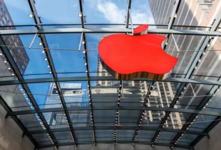 Google și Apple caută noi modalități de a atrage angajați fără studii superioare