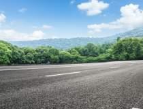 PROIECT: O autostradă și o...