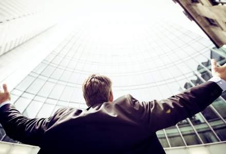 Cum să fii promovat la job când lucrezi de acasă. 6 soluții că ajungi să fii promovat mai ușor