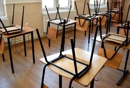 Numărul școlilor care funcționează în scenariul roșu depășește 1.000