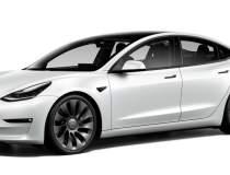 Tesla lansează versiunea...
