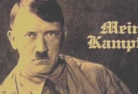"""Hitler face bani: cu cat au fost vandute doua volume din """"Mein Kampf"""", cu autograful conducatorului absolut"""