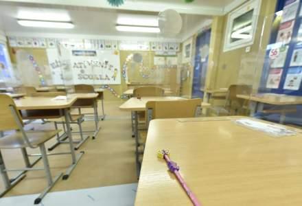 Ping pong cu școlile din București și declarații neclare privind trecerea la scenariul roșu