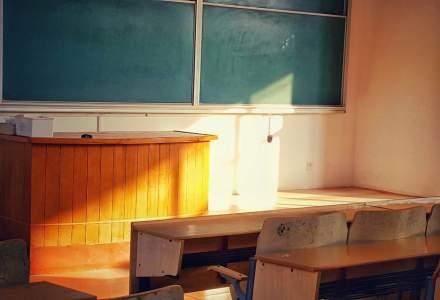 Câte școli și grădinițe a mai închis pandemia azi