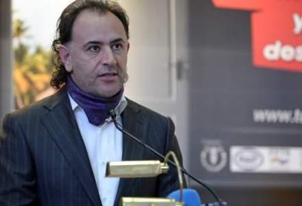 Mohammad Murad si-a facut companie aeriana pentru a duce la mare turistii din tara