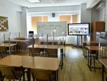 Școlile din București rămân...