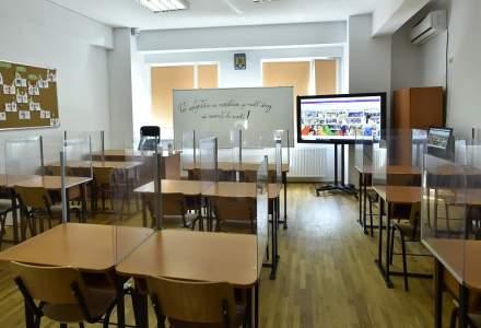 BREAKING: Școlile din București rămân închise