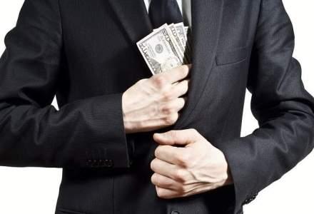 FT: Rusii retrag miliarde din bancile din Vest, in asteptarea sanctiunilor economice