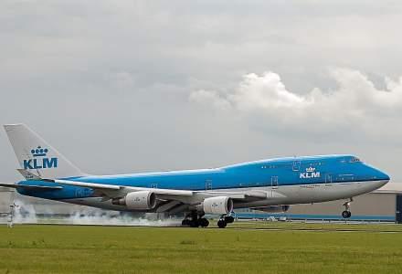 Piloții KLM au acceptat reducerea salariilor pentru cinci ani