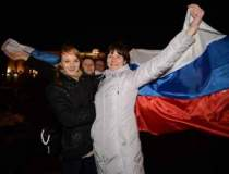 Locuitorii din Crimeea au...
