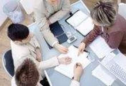 Peste 2.000 de persoane, angajate pe loc la bursa locurilor de munca