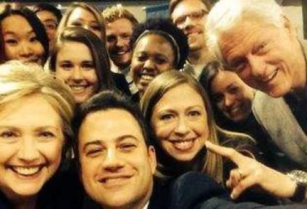 Selfie de fost presedinte: sotii Clinton au aparut intr-o fotografie dupa modelul Oscar 2014