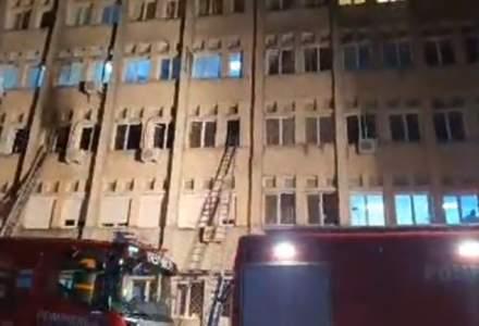 Prefectul de Neamț: Mai multe persoane rănite în incendiul de la ATI urmează să fie transferate la Iași