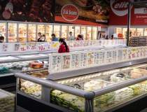 Un supermarket local deschide...