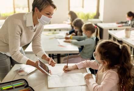 Cum descrie un psiholog situația profesorilor, în pandemie: Nu descaleci un tigru când ești călare pe el