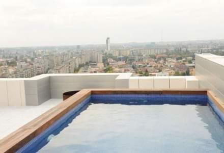 Privelistea cumparata cu un MILION de euro: cum arata apartamentul cu o terasa cat cinci garsoniere si piscina la inaltime