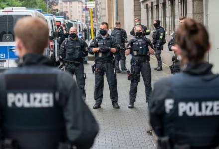 ATAC la Berlin: o mașină a intrat intenționat în poarta sediului cancelarului Angela Merkel
