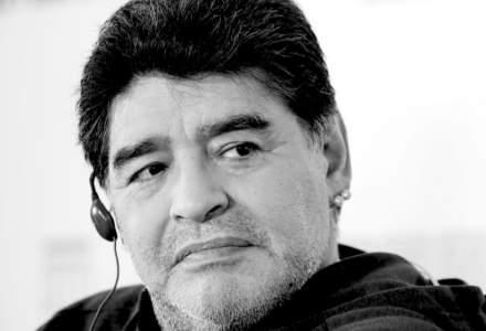 Haos la priveghiul lui Maradona. Argentinienii au încercat să ia cu asalt Casa Rosada și au fost loviți cu gaze lacrimogene