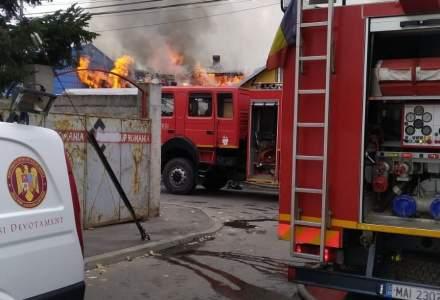 Incendiu la un ansamblu rezidențial din Capitală