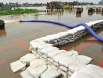 Inundatiile au facut prapad...