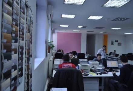 In vizita la MCA Grup: cum lucreaza angajatii celui mai mare producator de usi pentru garaj din regiune