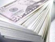 Dolarul american,...