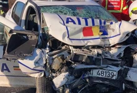 Unul dintre cei doi polițisti răniți grav în accidentul cu ambulanţa din Olt a murit