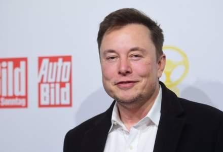 Cu cât au crescut averile lui Elon Musk și Jeff Bezos în 2020