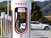 Anul acesta, Tesla va instala...