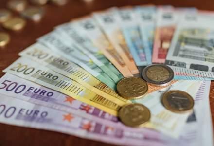 Euro a atins cel mai ridicat nivel, generat de incertitudinea politică din SUA