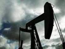 Scade pretul petrolului