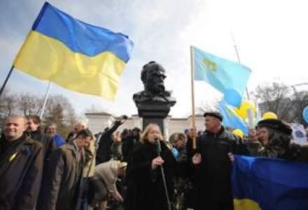Miliardari, ultranationalisti, prorusi si o diva: candidatii la prezidentialele din Ucraina