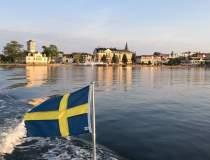 Suedia îşi schimbă strategia...